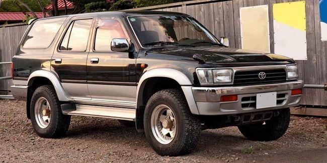 Toyota Surf - un pickup acoperit pentru aventuri reale off-road