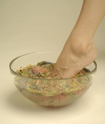 crack între tratarea degetelor