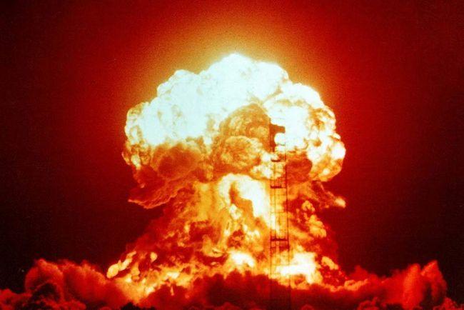 Radiația luminoasă în explozie