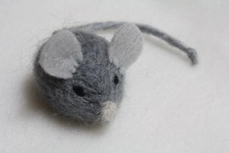împâslire șoarece lână