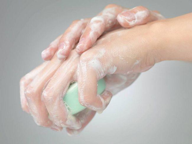 cauzele mâinilor uscate