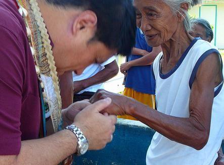 Politețea, tactul și respectul pentru bătrâni - sincer și formal