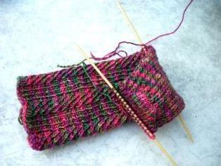 Ghetre cravată cu ace de tricotat