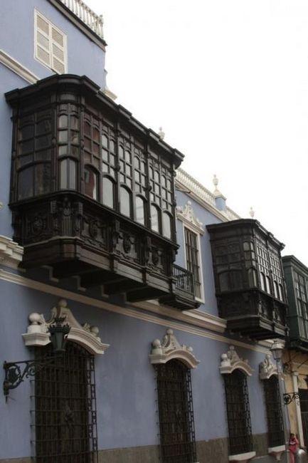 finisarea exterioară și interioară a balcoanelor și a loggilor