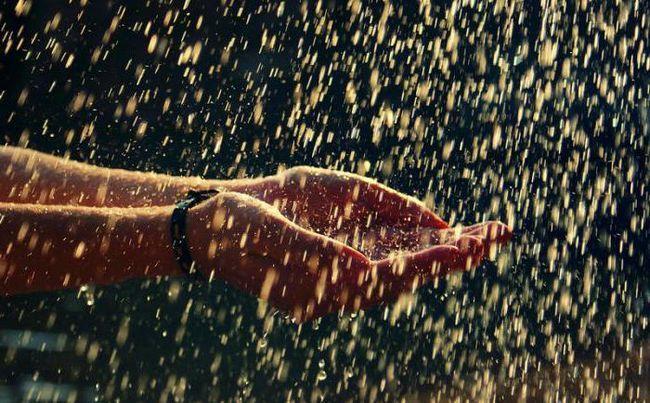 într-un vis se încadrează în ploaie torențială