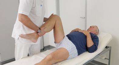 care trateaza un reumatolog