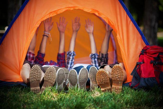 Alege un cort de camping