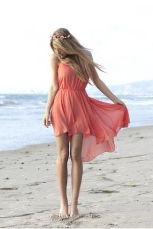 Modelul rochiei de vară: coaseți rapid și ușor