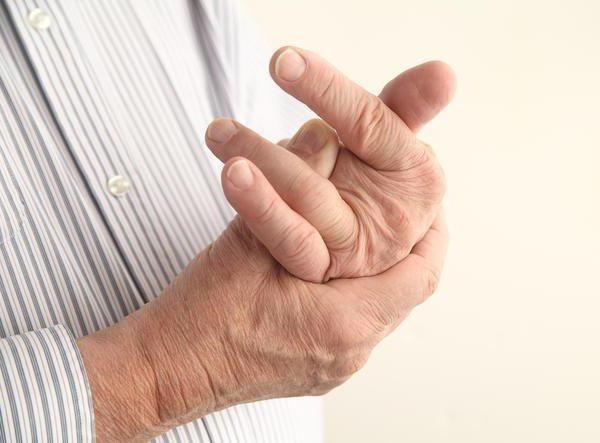 dislocarea unui deget pe mâna
