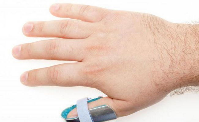 dislocarea degetului mare