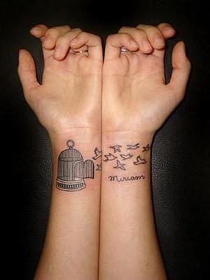 женские татуировки надписи на запястье