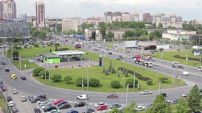 Intalnirea cu Sankt-Petersburg: Piata Constitutiei